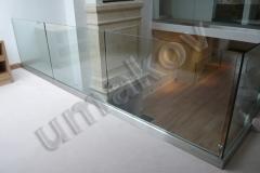 43 Interiérové sklenené zábradlie