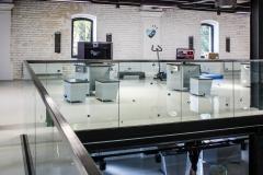 Samonosné sklenené zábradlie kotvené v hliníkovej lište