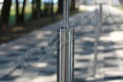 15 Nerezový stĺpik