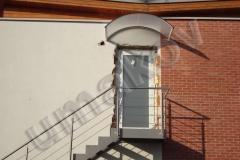 14 Exteriérové schodisko a prístrešok