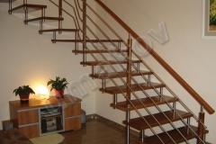 19 Samonosné schodisko