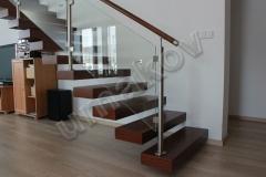 22 Drevené schody