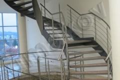 47 Točité bočnicové schodisko