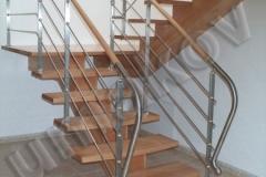 56 Samonosne schody oblozene drevom