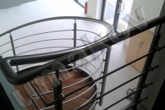 69 schody a zabradlie