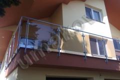 40 Balkón so zábradlím, sklo