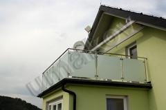 117 skleneny balkon