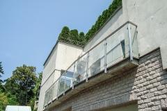 Sklenené zábradlie na balkón